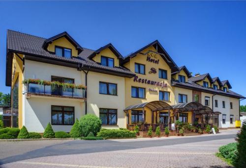 """Hotel i restauracja """"Szelców"""" w Lesku"""